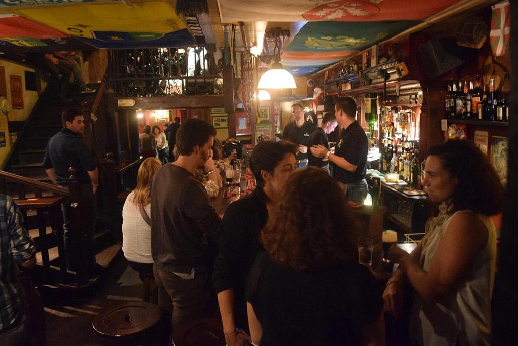 mulligan 39 s irish pub caves vins bi res toulouse. Black Bedroom Furniture Sets. Home Design Ideas