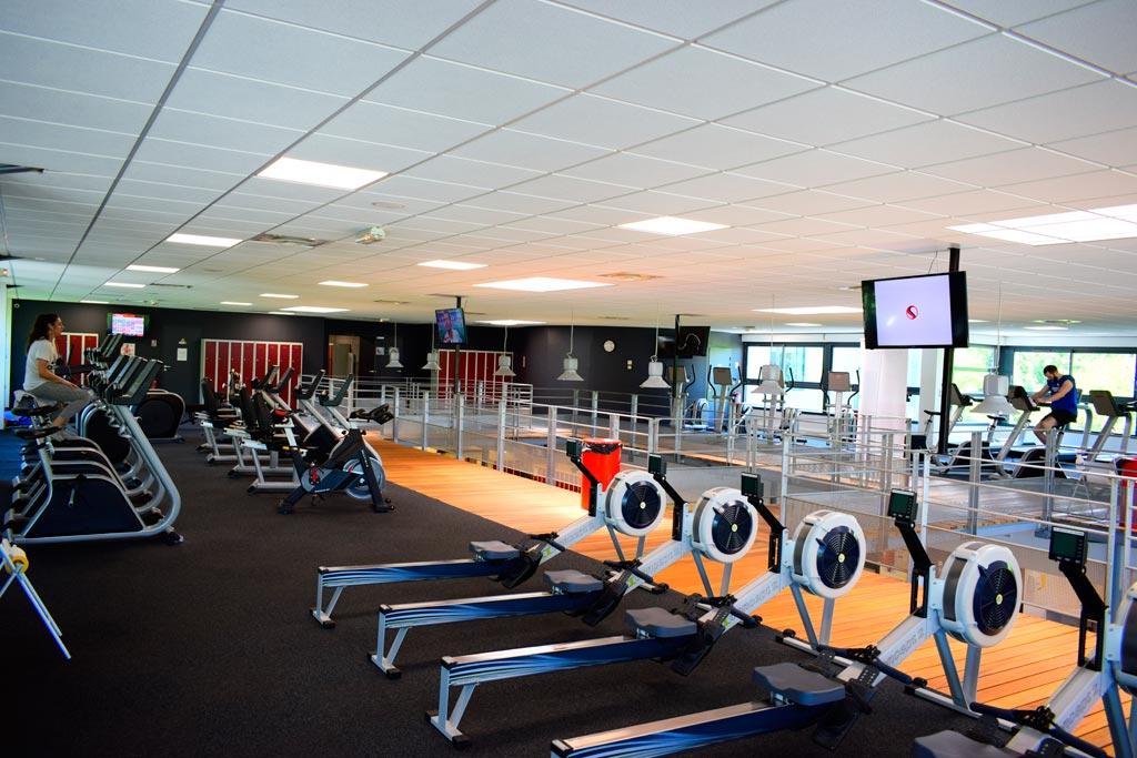 full fitness clubs de sport remise en forme toulouse. Black Bedroom Furniture Sets. Home Design Ideas