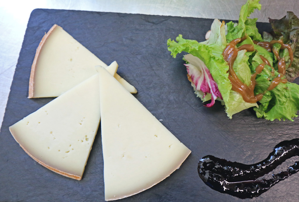 Délicieux fromage de brebis des Pyrénées