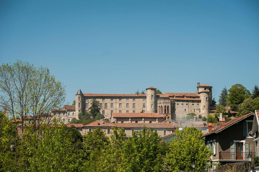 La ville de Saint-Lizier dans le Couserans