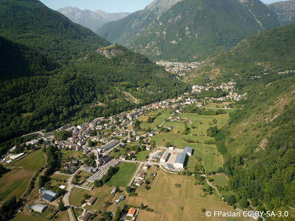 Village de Vicdessos, photo prise en parapente