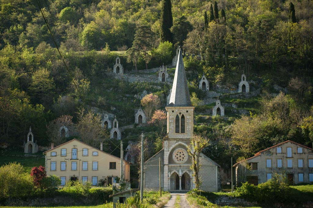 La chapelle de Reynaude et son chemin de croix